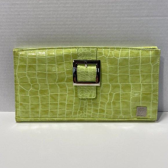 Miche Handbags - MICHE Women's Wallet, Green color, Standard Size